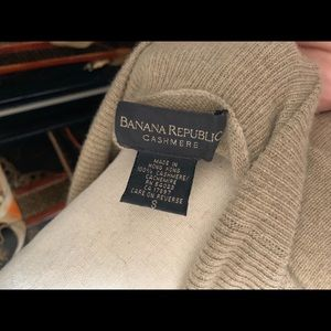 Banana Republic Sweaters - Banana republic cashmere vest sweater small